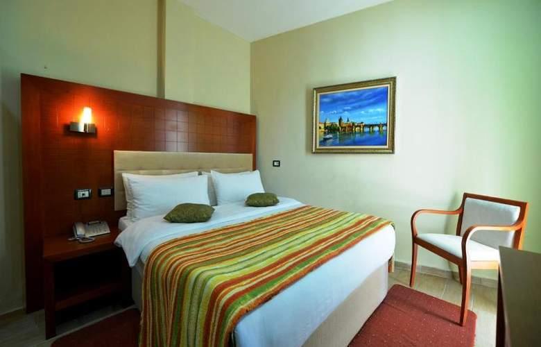 City Tirana - Room - 11