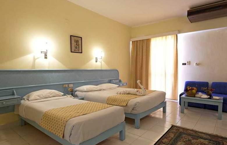 Triton Empire Hotel - Room - 2