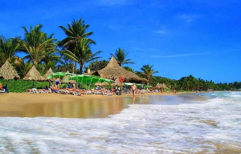 Isla Caribe Beach Resort - Beach - 5