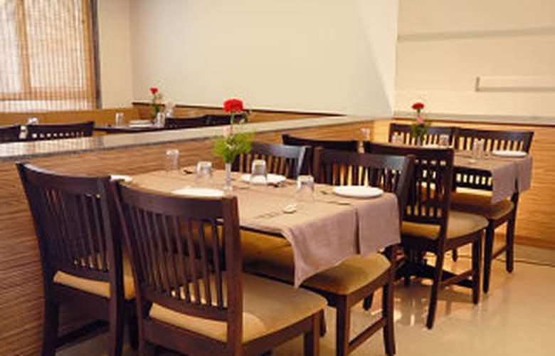 Marigold Hotel Goa - Restaurant - 2