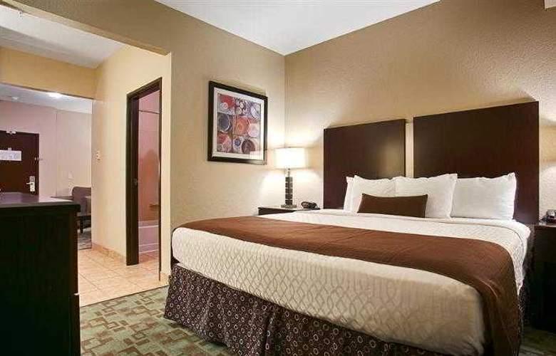 Best Western Plus Eastgate Inn & Suites - Hotel - 32