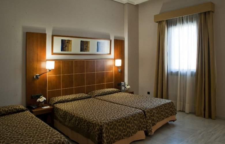 Exe Ciudad de Córdoba - Room - 12
