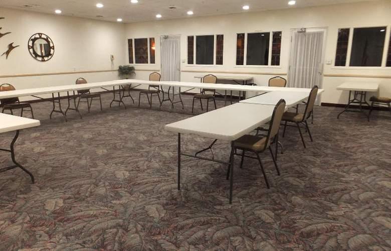 Quality Inn & Suites Lake Havasu City - Conference - 11