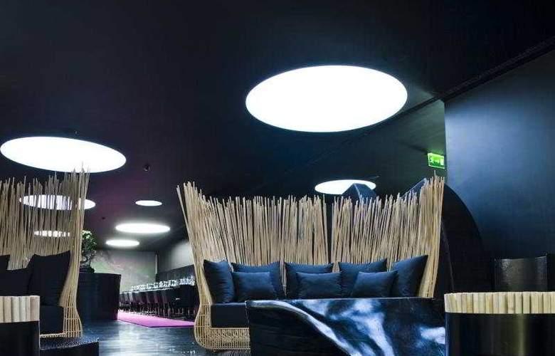 DoubleTree by Hilton Lisbon - Fontana Park - Bar - 2