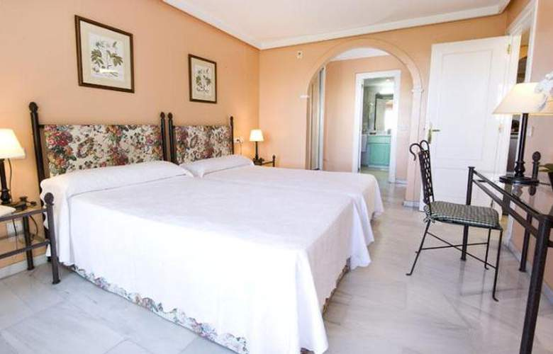 Monarque Sultan Aparthotel - Room - 18