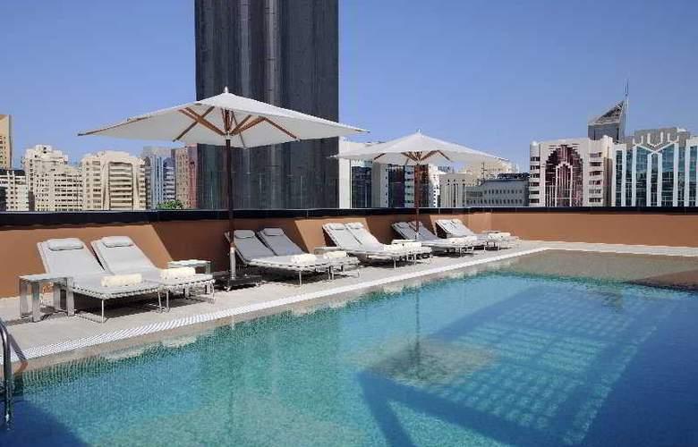 Courtyard by Marriott World Trade Center Abu Dhabi - Pool - 2