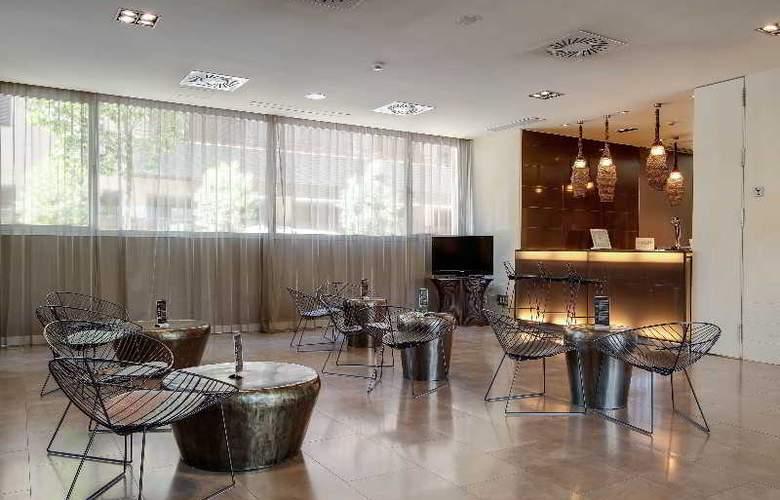 Rafaelhoteles Forum Alcala - Bar - 29