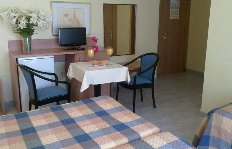 Felipe II - Room - 2