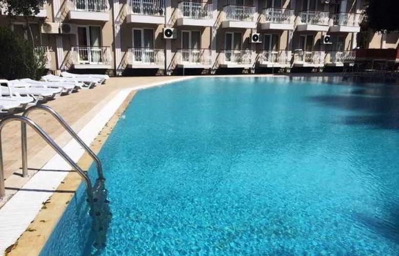 Grand Emir Hotel & SPA - Pool - 15