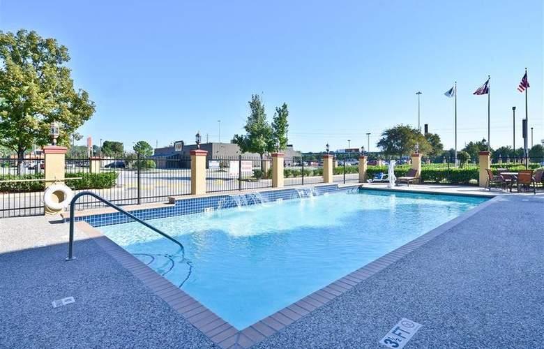 Best Western Greenspoint Inn and Suites - Pool - 141