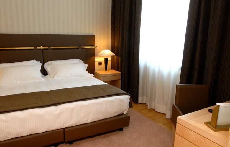 Grand Hotel Duca Di Mantova - Room - 20