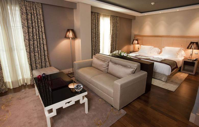 Nexus Valladolid Suites & Hotel - Room - 4