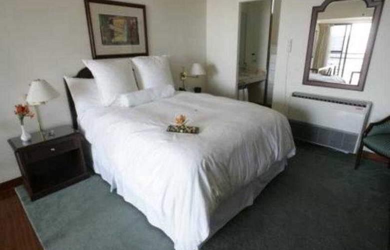 Thunderbird  Fiesta Hotel & Casino - Room - 4