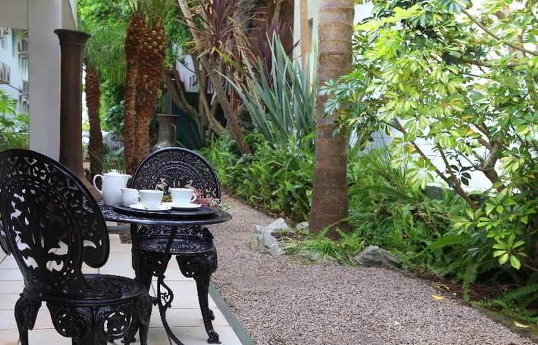 Protea Hotel Outeniqua - Terrace - 31