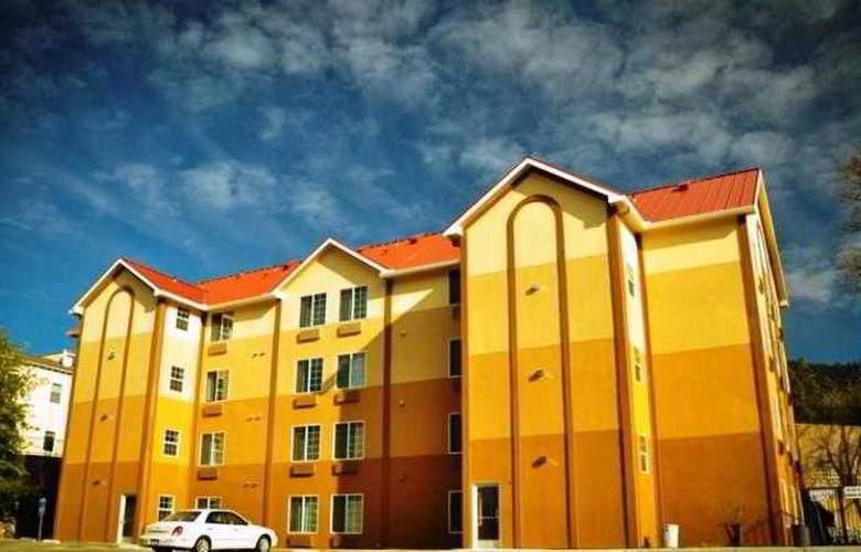 The Monarch - Hotel - 1