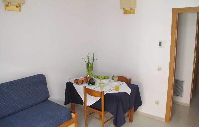 Santi Apartamentos - Room - 7