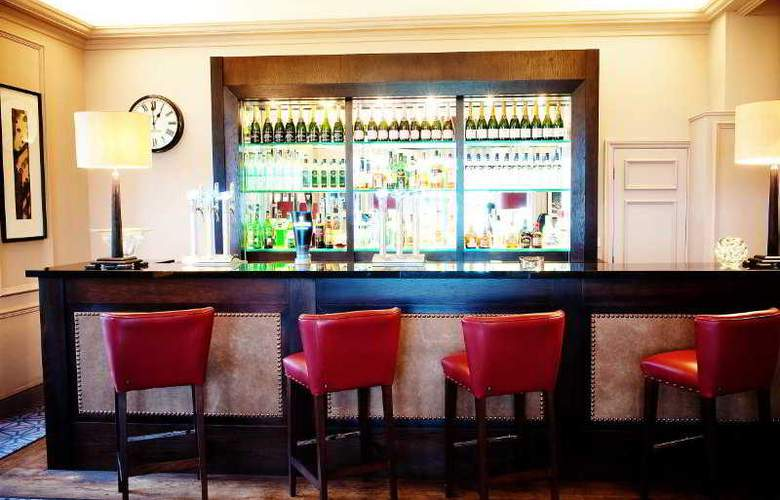 De Vere Uplands House - Bar - 4
