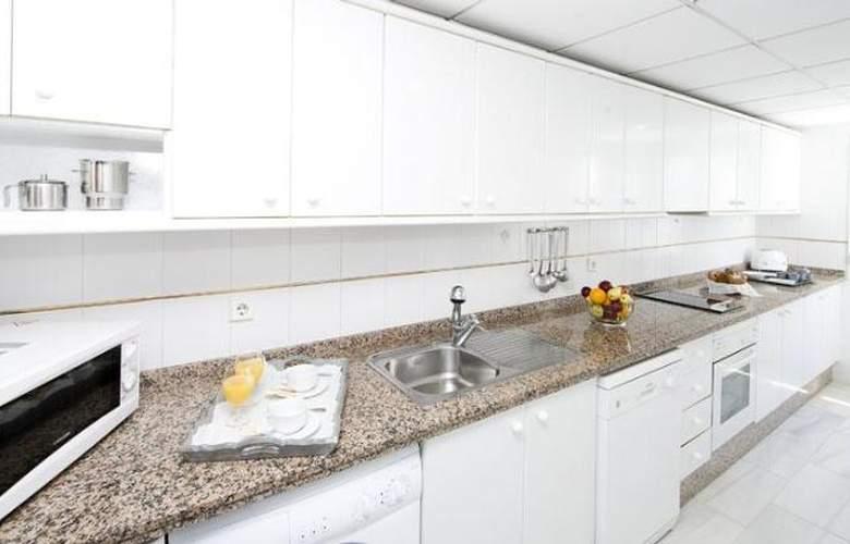 Monarque Sultan Aparthotel - Room - 22