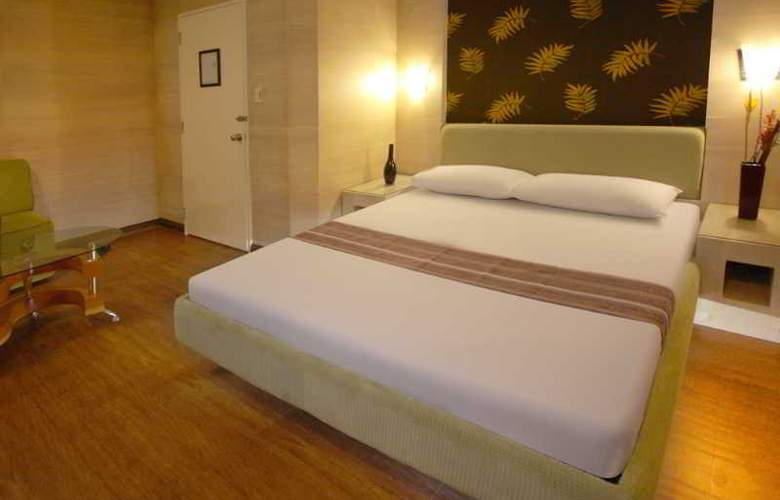 Victoria Court Gil Puyat - Room - 10