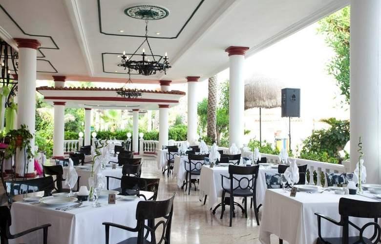 Club Hotel Sera - Restaurant - 28