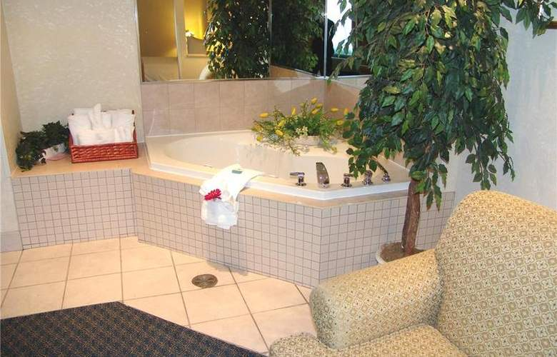 Best Western Plus Executive Inn Scarborough - Room - 122