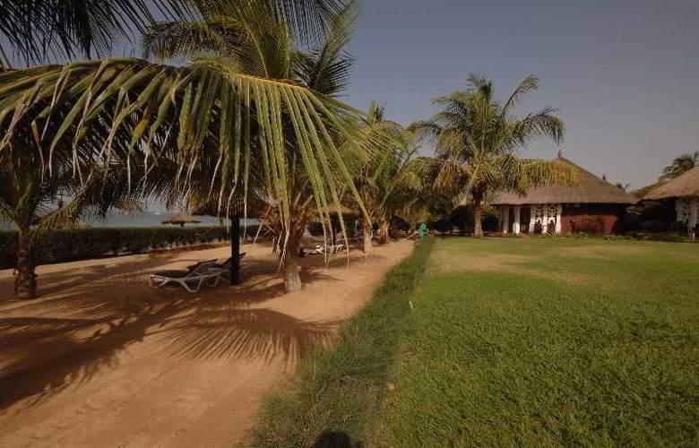 Royam Saly - Beach - 41