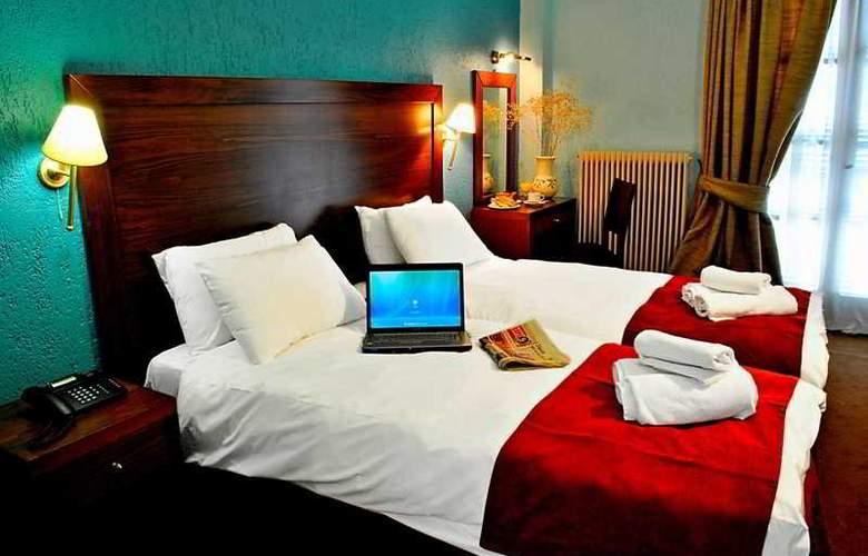 Arahova Inn - Room - 5