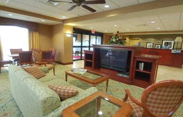 Hampton Inn Hays-North of I-70 - Hotel - 0