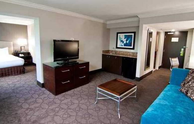 Hilton Durham near Duke University - Hotel - 8