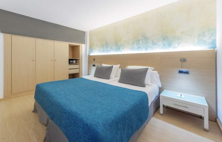 Fontanellas Playa - Room - 18