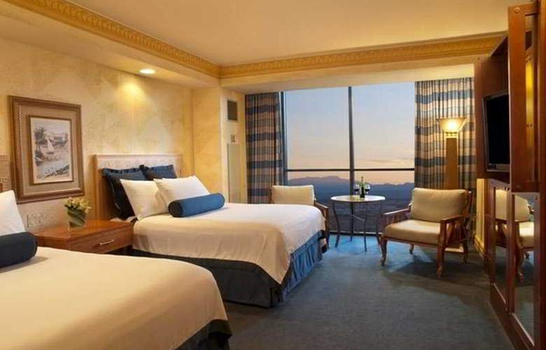 Luxor Hotel and Casino - Room - 3