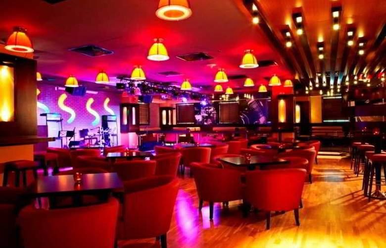 Citymax Al Barsha at the Mall - Bar - 3