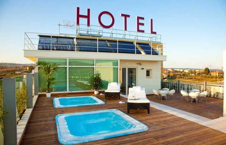 Breaking Business Hotel - Terrace - 11