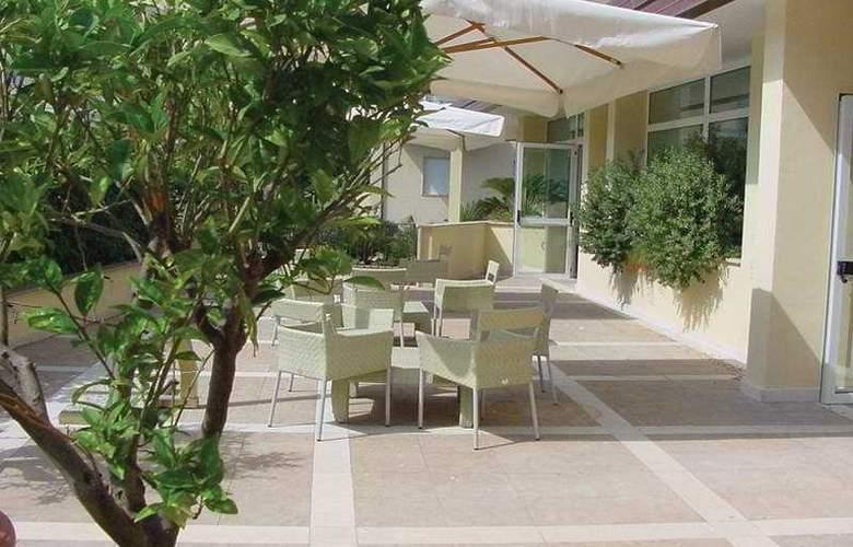 Virgilio Grand Hotel - Terrace - 6