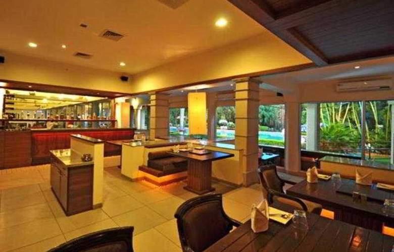 Ramee Guestline Hotel Bangalore - Bar - 8