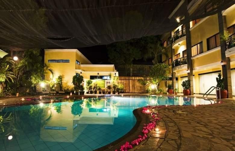 Hotel Fleuris Palawan - Pool - 2