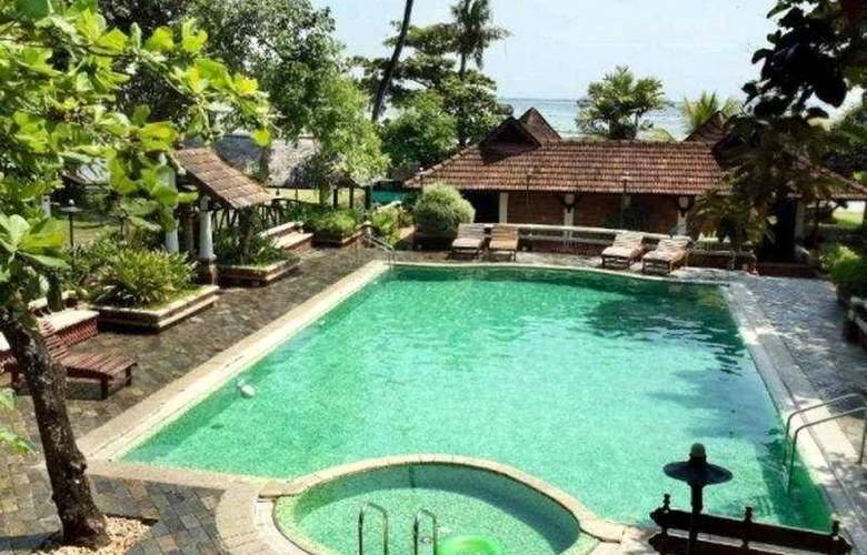 Punnamada Serena Spa Resorts - Pool - 3
