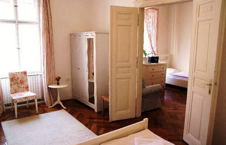 Old Town Square Apartments - Room - 1
