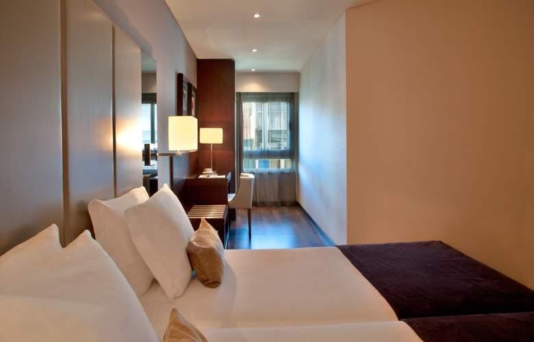 Turim Luxe - Room - 13