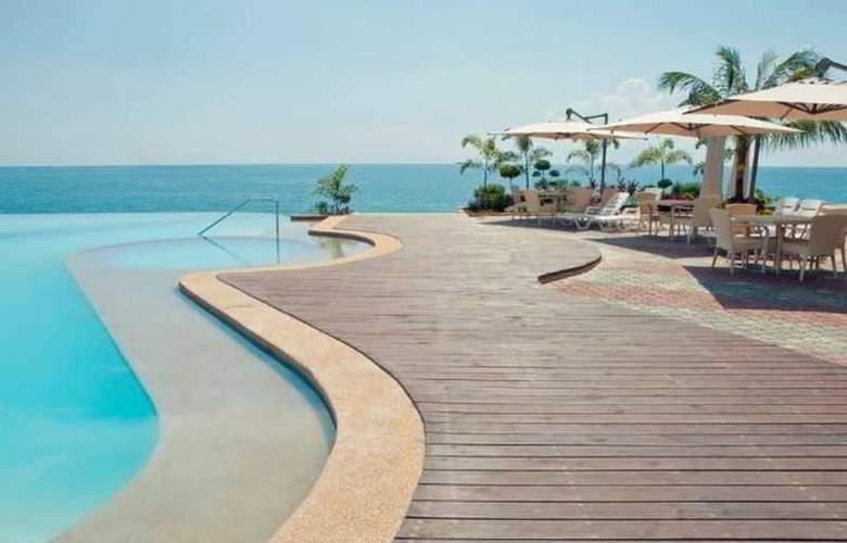 Danao Coco Palms Resort - Beach - 11