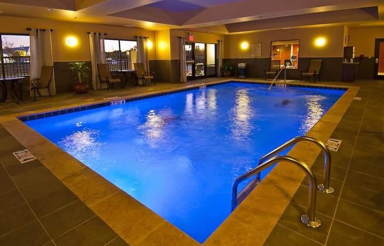 Best Western Tupelo Inn & Suites - Pool - 68