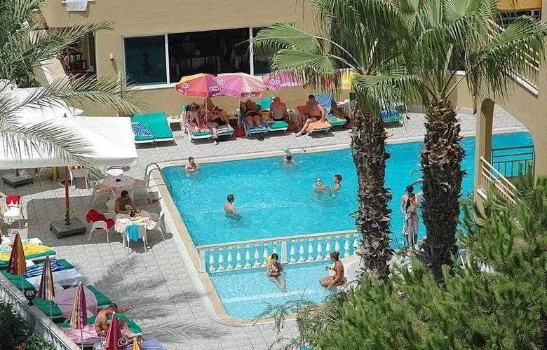 Gunes House - Pool - 3