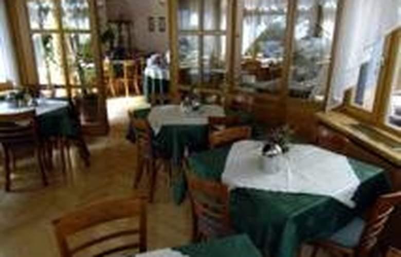 Corvin Budapest Sissi - Restaurant - 7