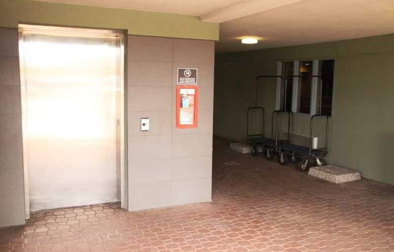 Accent Inn Kelowna - Hotel - 7