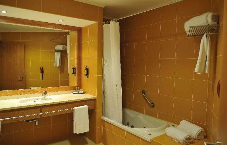 Lusitânia - Room - 2