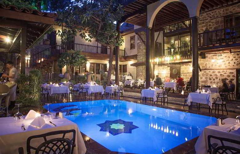 Alp Pasa Hotel - Pool - 40