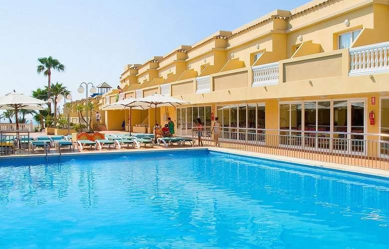 RH Casablanca Suites - Pool - 3