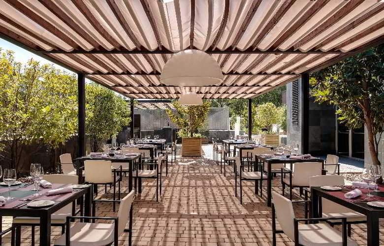 Rafaelhoteles Forum Alcala - Terrace - 53