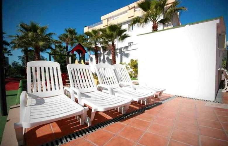 El Lago - Hotel - 12