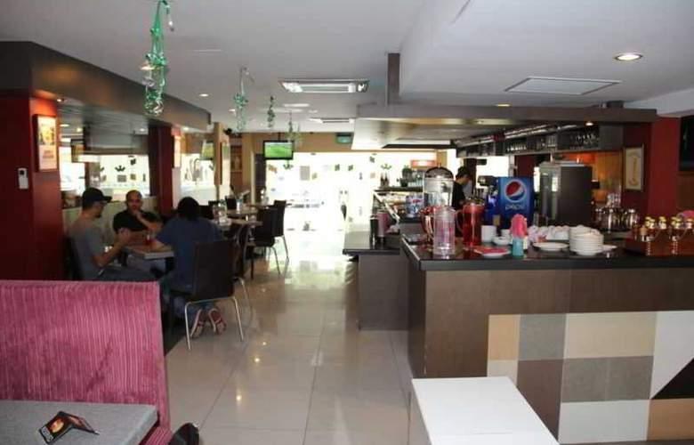 LeGallery Suites Hotel - Restaurant - 11